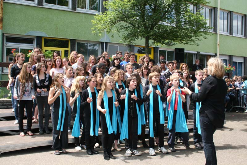 Choir performance at College International de Fontainebleau